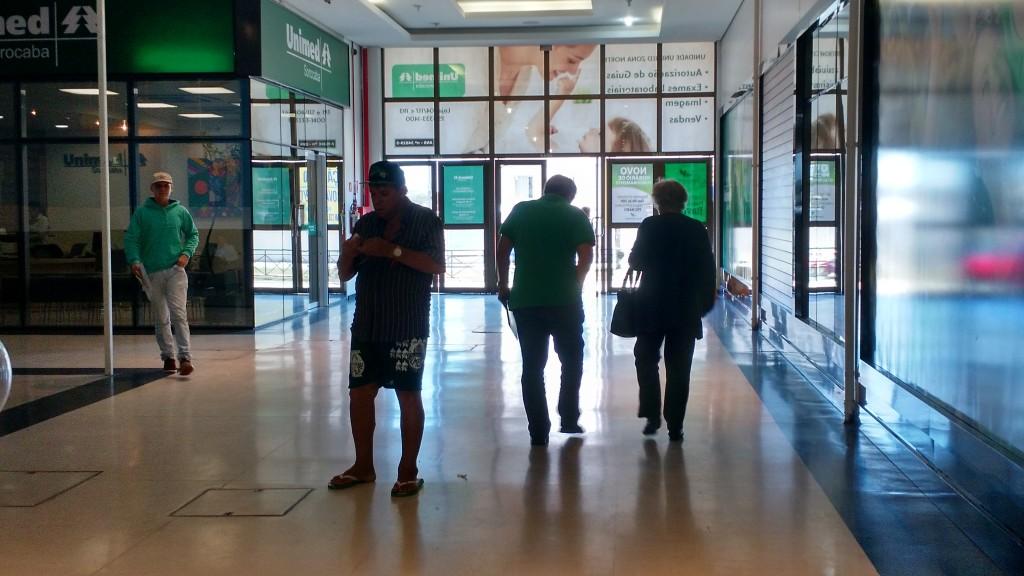 Dois espaços do shopping Plaza Itavuvu são ocupados pela Unimed. Uma clínica de radiologia odontológica e um centro médico também atendem no local.