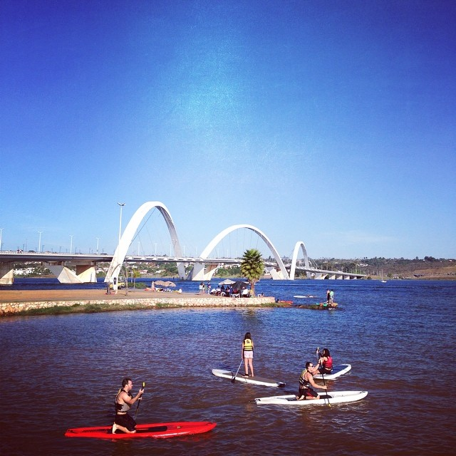 Lago Paranoá e terceira ponte (foto: Sacha Brasil)