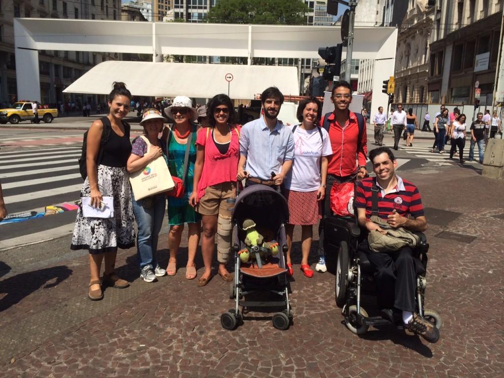 Eu e o pessoal do Cidadeapé e outros ativistas pela mobilidade (foto: Associação pela Mobilidade a Pé)