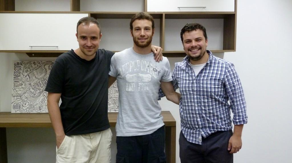 Equipe do Pegcar no escritório (foto: divulgação)