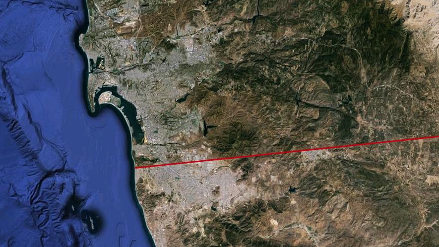 Imagem de satélite da região metropolitana San Diego-Tijuana. A linha vermelha marca a fronteira (Google Earth/Outra Cidade)