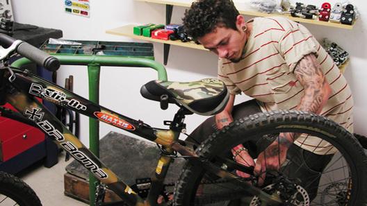Oficina do bicicletário faz reparos com desconto para mensalistas (Divulgação/Ascobike)