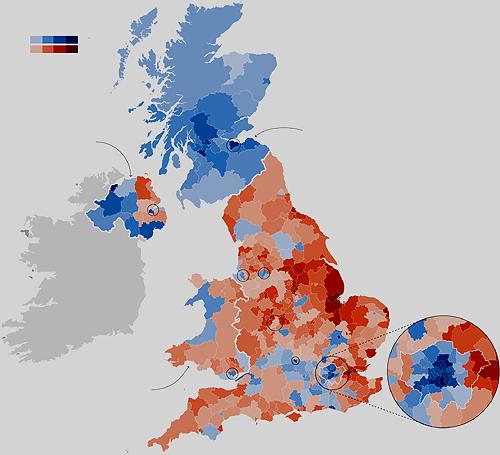 Mapa eleitoral do Brexit por distritos. Em azul os que preferiram a permanência na UE. Em vermelho, os que votaram pela saída. Quando mais escura a mancha, maior o percentual de votos para cada lado (New York Times)