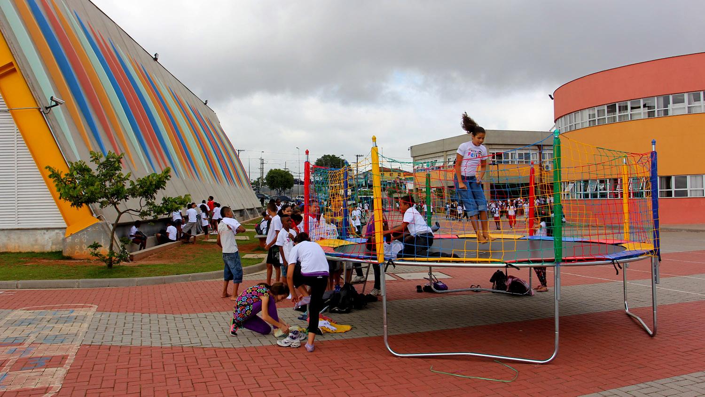 Crianças brincando no CEU Jabaquara, em São Paulo (Divulgação)