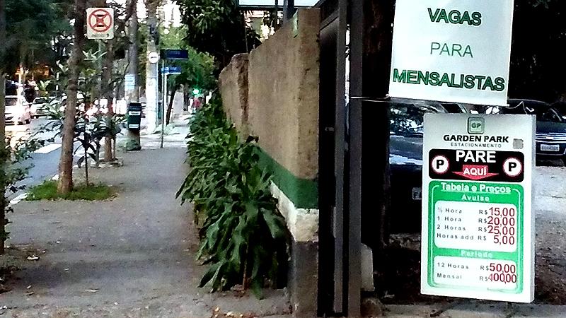 Valores de estacionamento no Jardim Paulistano (Ubiratan Leal/Outra Cidade)